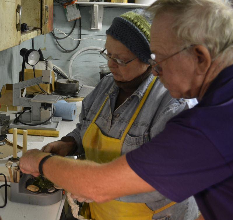 Bill and Sue prepare dop sticks.